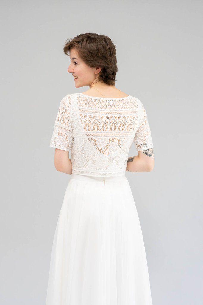 Pin Auf Schlichte Brautkleider Und Zweiteilige Hochzeitskleider Fur Die Moderne Hochzeit