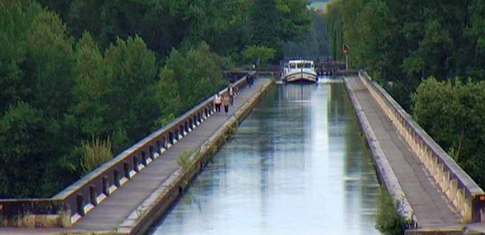 Agen , le pont canal | Carte postale, Postale, Photos