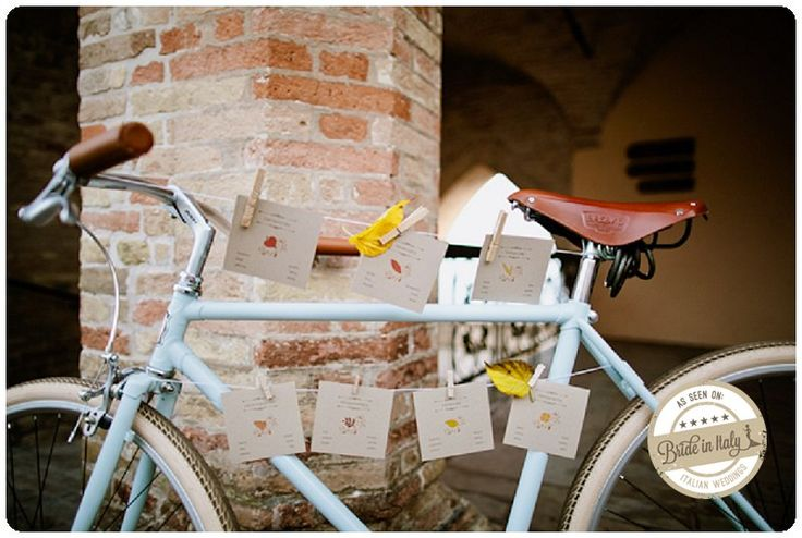 A vintage bicycle as a seating chart: awesome. Ph Cinzia Bruschini http://www.brideinitaly.com/2012/12/cinzia-autumn-inspiration.html #italianstyle #wedding