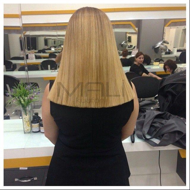 """""""Düz kesim saç modelleri ve ışıltılı renkler ile dikkat çeken saç modellerine sahip olabilirsiniz. #duzsac #duzkesim #hairmodel #haircut #malikuafor…"""""""