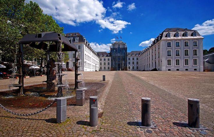 Das 1.600. Foto auf dieser Seite, ... sollte etwas Freude ausstrahlen. Und gutes Wetter. Da passt doch das Saarbrücker Schloss ganz gut, oder ? :-)  https://www.facebook.com/schoenes.saarland