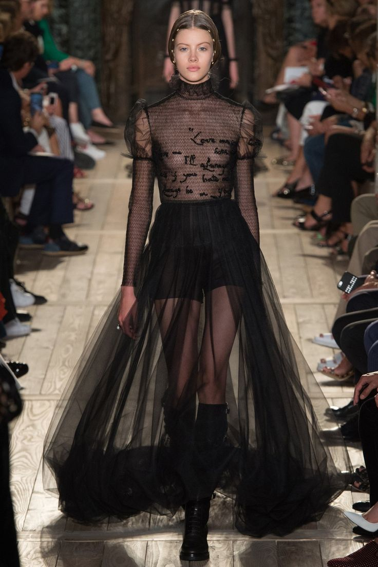 #SuzyCouture - Valentino: Inspired By Shakespeare (Vogue.co.uk)