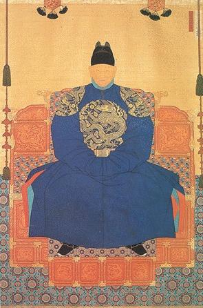 태조 이성계 어진, 14세기 말(원본), 1872(조중묵)  조선의 제 1대 왕, 이성계의 초상화.  태종실록에 따르면 어진을 봉안한 것은 1410년(태종10) 무렵이다.  1872년(고종9)에 조중묵이 낡은 원본을 그대로 새로 옮겨 그린 그림이다.  한국인이라면 이성계가 위화도 회군을 통해서 조선을 건국한 사실은 알고 있을 것이다. 조선의 제 1대 임금인 태조 이성계의 어진은 고려왕조 500년의 막을 내리는 역사적인 의미를 나타내기도 했다고 생각한다.    이목구비는 비교적 자세히 표현되지는 않아서 얼굴을 구분하기는 힘들다. 또한 그림이 2차원적이고 입체적인 느낌이 많이 들지는 않는다. 다만 그림이 그려질 당시의 미술의 발전과 어진이라는 특성을 생각해보면 이는 이해할 수 있다.    용상에 앉아있는 모습이 위압감이 느껴지기도 하지만 말년의 아들들의 다툼 속에서 권력의 무상함을 깨닫게 될 이성계의 표정이 미리 느껴지는 듯하기도 하다.