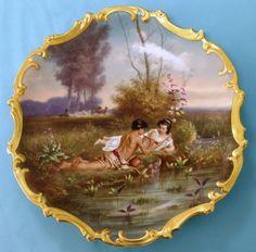 Dekorační talíř * porcelán zdobený zlatem s ručně malovaným obrázkem - zamilovaný pár u vody.