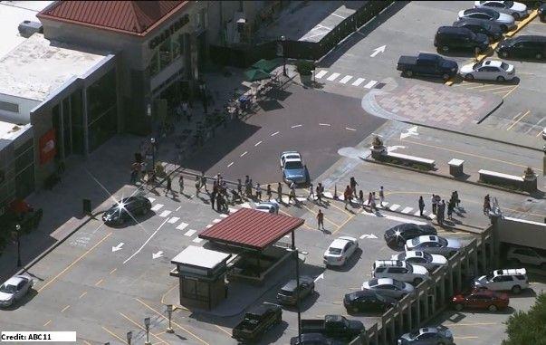 ΤΩΡΑ : Πανικός από πυροβολισμούς σε εμπορικό στη Βόρεια Καρολίνα! > http://arenafm.gr/?p=224098