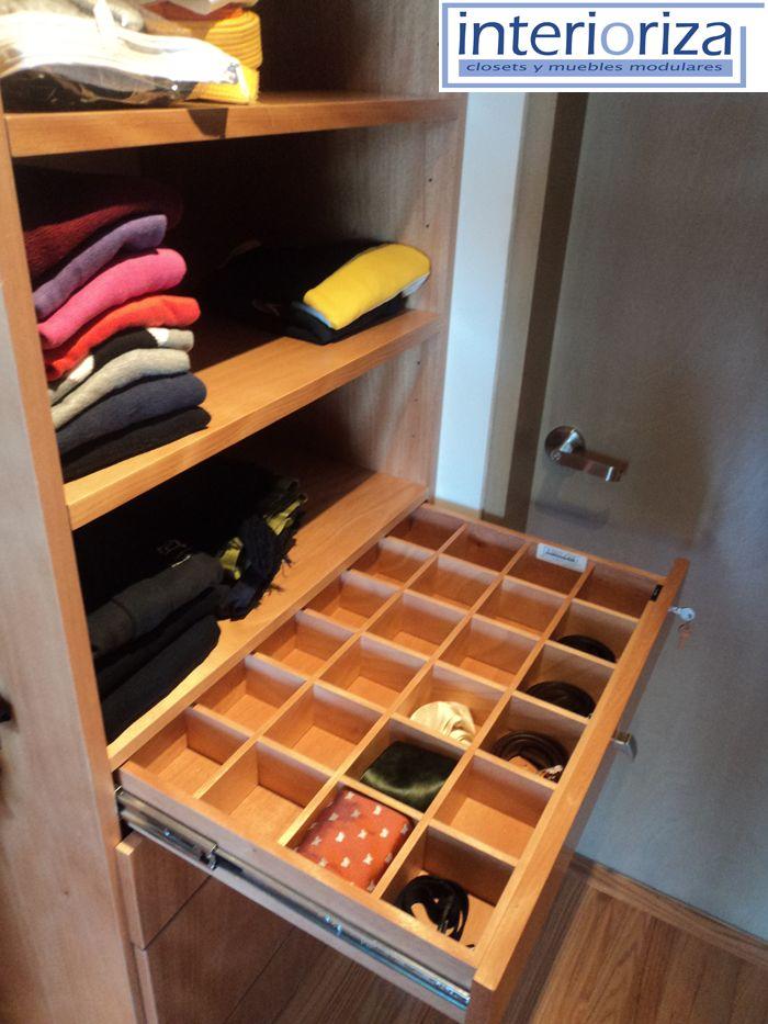 Cuadr culas dentro de sus cajones para guardar for Closet para espacios pequenos