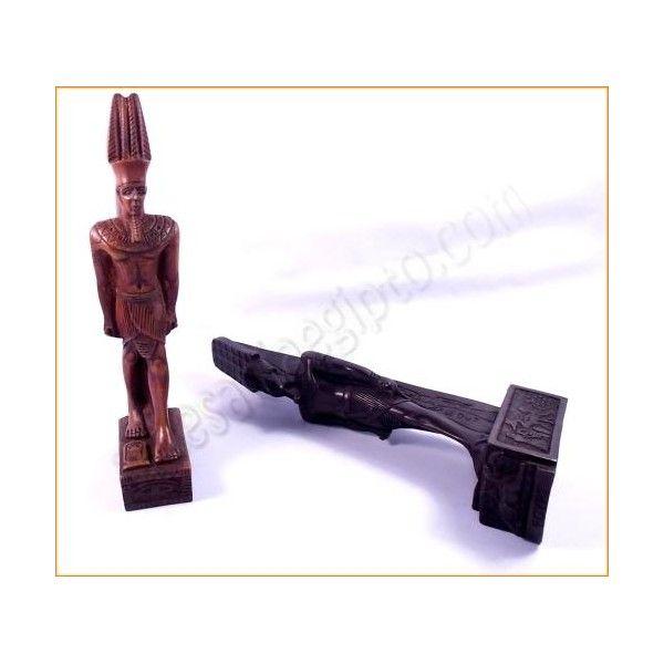 """Figura de artesanía egipcia del dios Amón Ra, llamado """"el oculto"""" y relacionado con el elemento Aire, fue la principal divinidad de la religión egipcia antigua. La base y el busto están tallados en resina sólida, mezclada con piedra. Realizada artesanalmente y cuidadosamente detallada por los artesanos egipcios. Medidas: base 7cm X 4cm. Altura 24cm. www.artesaniaegipto.com"""