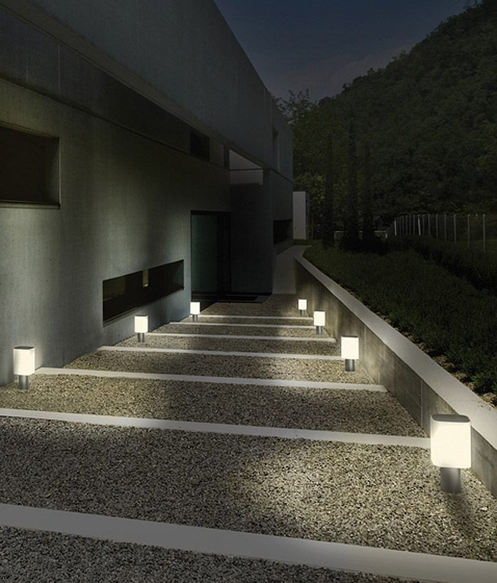 Iluminaci n exterior sendero alumbrado con balizas - Iluminacion exterior led ...