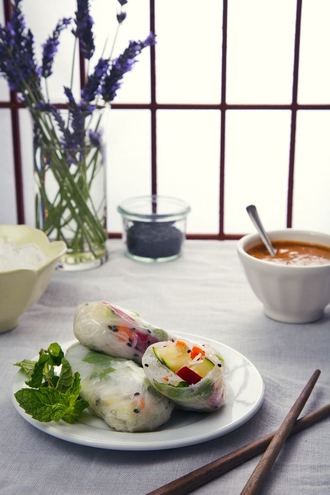 Vietnamese Summer Rolls with Easy Peanut Dipping Sauce | picklesnhoney.com