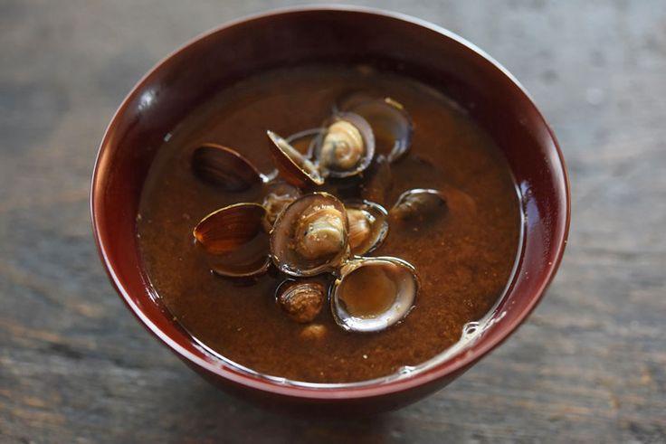 しじみの味噌汁 ©白ごはん.com