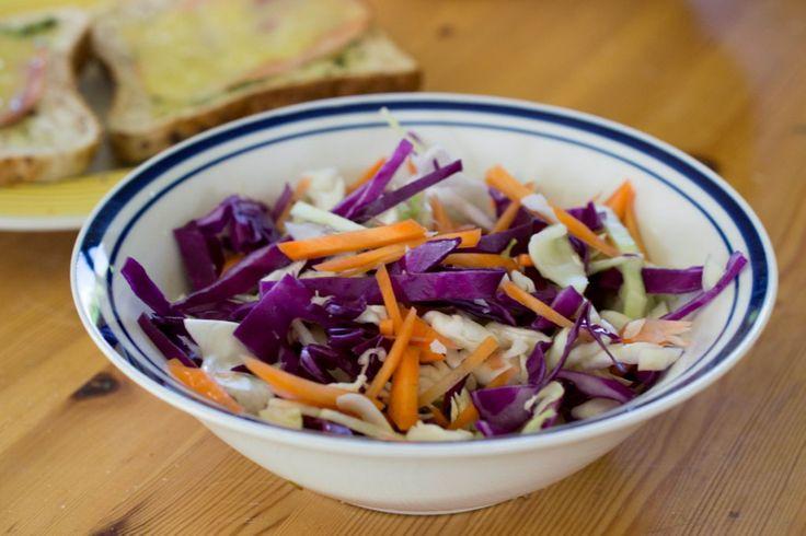 Coconut Cabbage Salad (Zelný salát s kokosem)