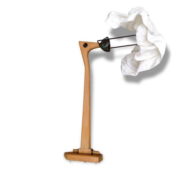 Applique Guillerme et Chambron vendu par Eric antik ? Cheval Blanc (84 - Vaucluse). Hauteur : 47, Largeur : 25, Profondeur : 70, État : Bon état, Materiau : Bois, Style : Design, Couleur : Bois