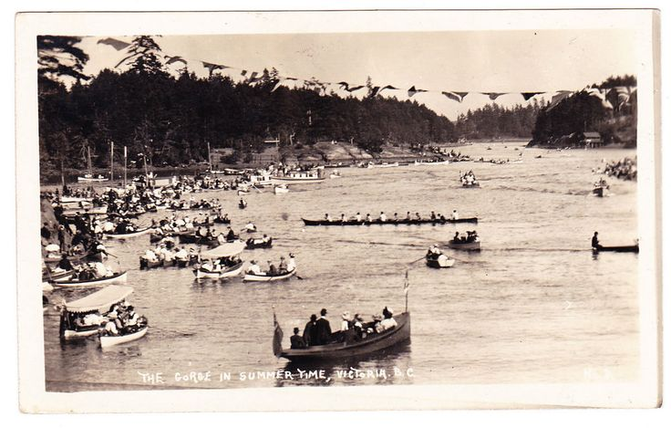 BC – VICTORIA, The Gorge in Summertime, Indian War Canoe c.1908-1911 RPPC