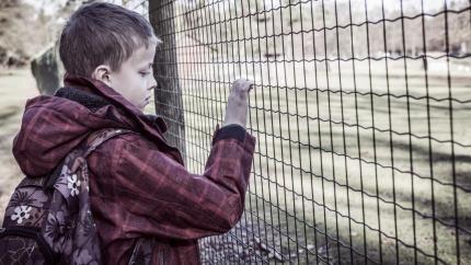 """""""Om det bara var mitt barns svårigheter jag behövde förhålla mig till så skulle livet som förälder till barn med npf inte alls vara lika jobbigt."""" Lotten Grape, förälder, vänder sig till skolpersonal med en lista på tio saker att akta sig för att säga, och tips om vad man bör göra i stället."""