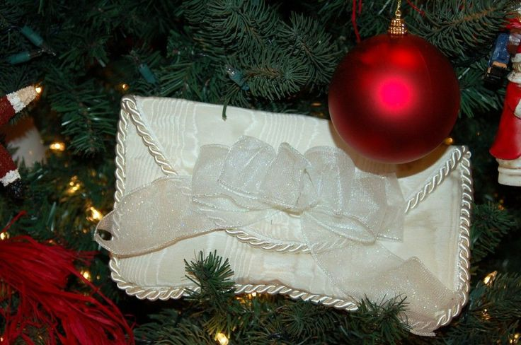 The White Envelope Tradition. Wow- I think this might have to become a new tradition for us as well. Giving to others less unfortunate after all is the best gift of all.  :o)