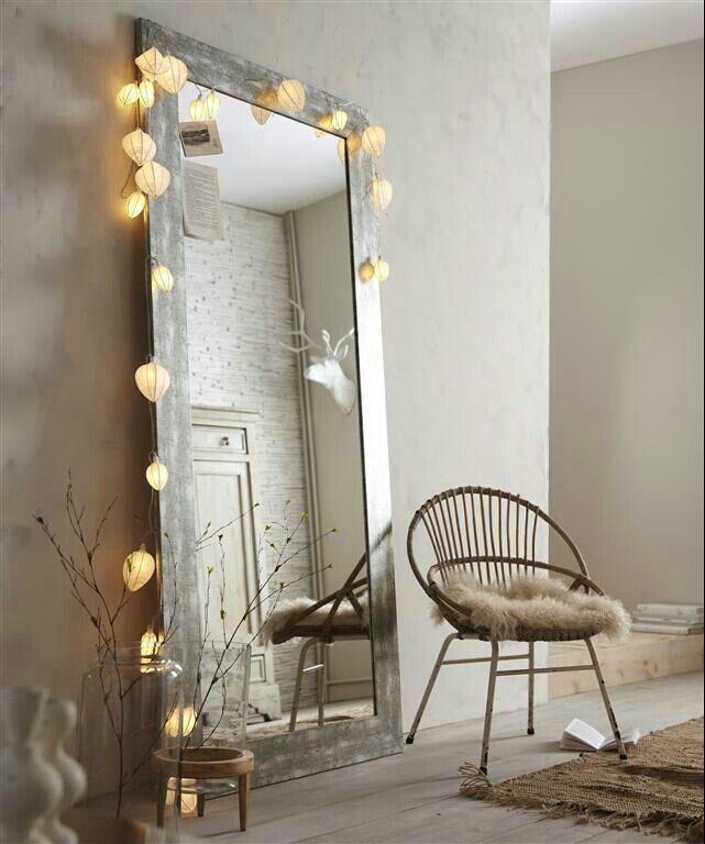 Ik heb er zelf helaas niet de ruimte voor, maar een grote spiegel vind ik zo mooi! Je creëert er meteen een groter ruimtelijk effect door en de ruimte ziet er lichter door uit. Op Pinterest vond ik deze voorbeelden, zijn ze niet allemaal geweldig?! Mocht je zelf nog op zoek zijn naar een spiegel, … Lees verder Grote spiegels →