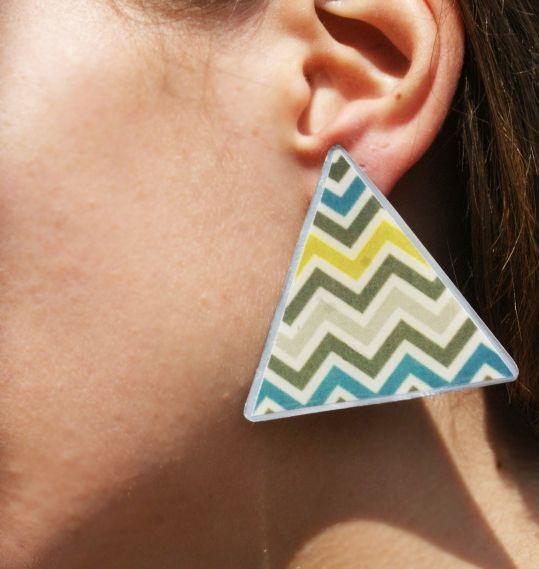 Earrings by metal & glass 10,00