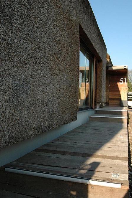 nowoczesna-STODOLA_Rieten-villa-in-Sterksel_ARCHES-17