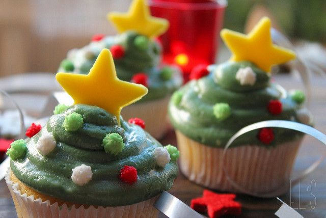 I am sure that you had never thought of eating a Christmas tree…! Then, for this sixth recipe I've concocted just for you, pretty cupcakes in the shape of a christmas tree with nice Christmas balls for decoration (it is not nice this girl ?!). A chewable, don't you think ?! Cupcakes Christmas tree Ingredients...  Read more »