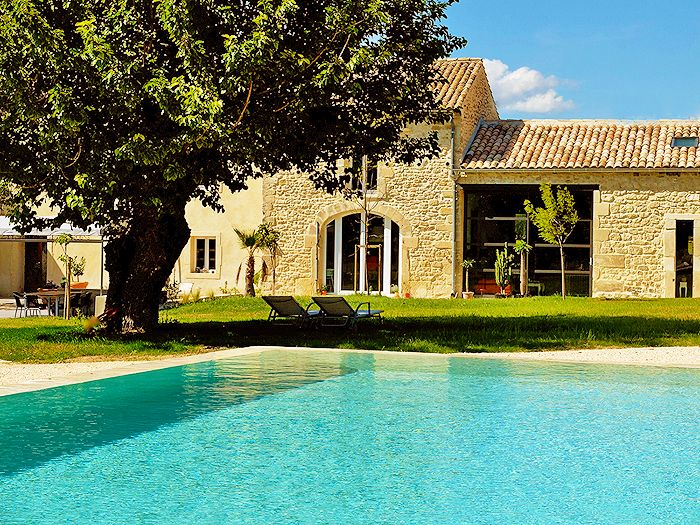 Les Pierres - Charming bed and breakfast and cottages - in Drome provencale - south of France.