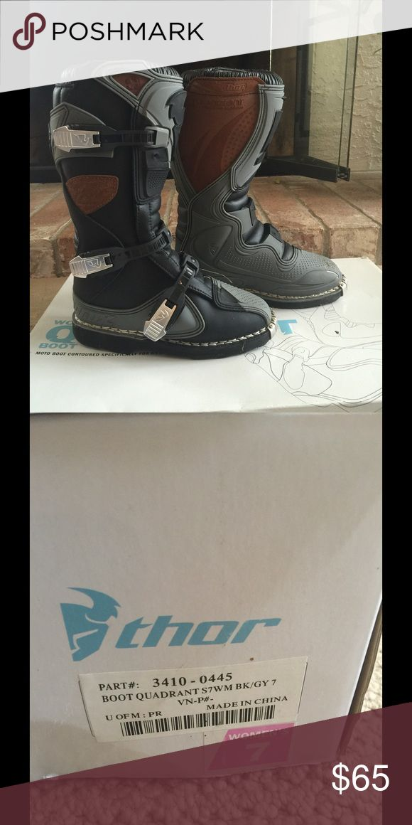 Thor women's riding boots New worn one time. Comes with box size 7 excellent condition. Thor Shoes Combat & Moto Boots