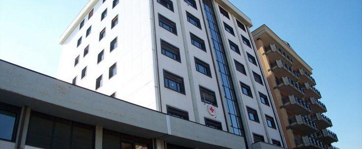 Ufficio al terzo piano in ottime condizioni di circa 80 mq e composto da ingresso tre vani, bagno e ripostiglio. Canone da ivare.