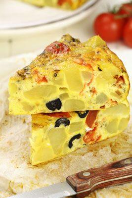 Mediterranean Egg Scramble. Diet Mediterania termasuk penggunaan telur. Cara yang bagus untuk mendapatkan banyak sayuran yang sehat dan keju rendah lemak dari kambing, feta, dan ricotta ke dalam diet sehari-hari Anda.