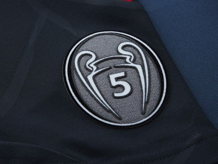 The FC Bayern UEFA Honors badge showing off the 5 UCL titles so far. . .