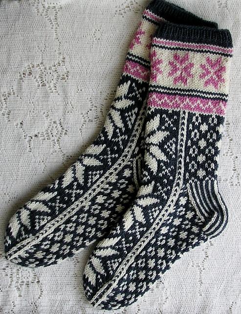 Ravelry: sweatergoddess' Norwegian Socks Free Drops pattern