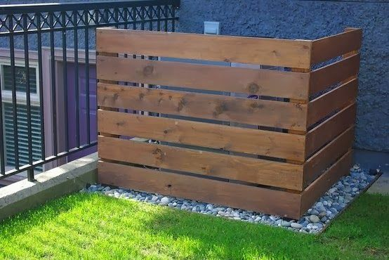 Pallet Project - Pallet Wall For An Air Conditioner Or Trash Cans.  #pallets  #palletproject