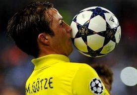 4-Apr-2013 12:10 - MARIO GÖTZE BAALT VAN GEMISTE KANSEN. Mario Götze heeft gemengde gevoelens overgehouden aan het Champions Leaguetreffen met Malaga van afgelopen woensdag (0-0). De speler van