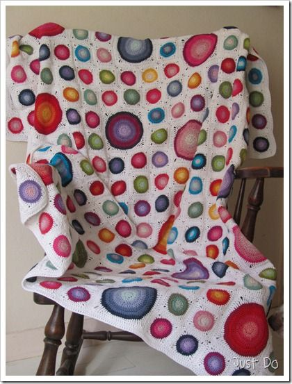 """Crochet Circle afghan from """"Just-Do"""".  Free instructions (Find thru """"blog archive"""" Monday, February 25, 2013)"""