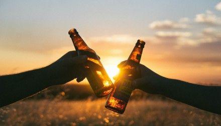 Nebenwirkungen von Alkohol: Leider nicht nur Kopfschmerzen, sondern auch Krebs... | treat&feed #alkohol #Krebs #übergewicht