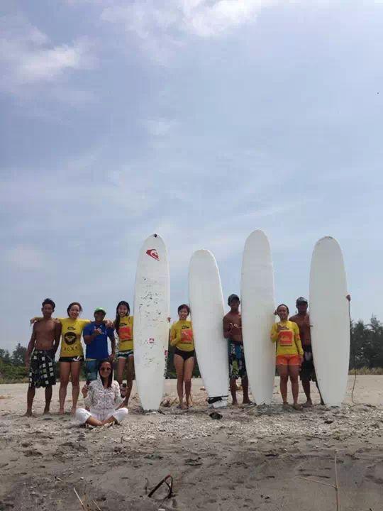 Surfs up Zambales