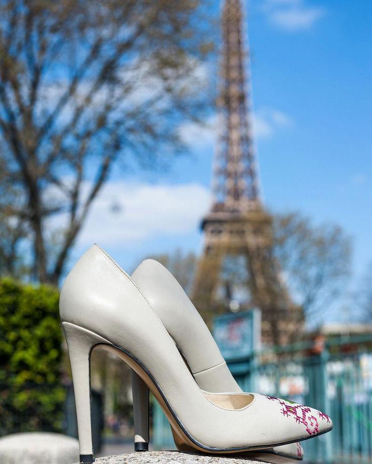 Shoes that are travelling with joy.  #joyofwearingiutta #stilettos #leather #shoes #iutta #designershoes #stylish #embroidery
