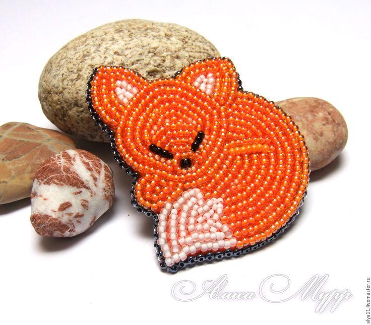 """Купить Брошь """"Лисичка"""" бисер вышивка рыжий - рыжий, лиса, лисичка, брошь лиса"""