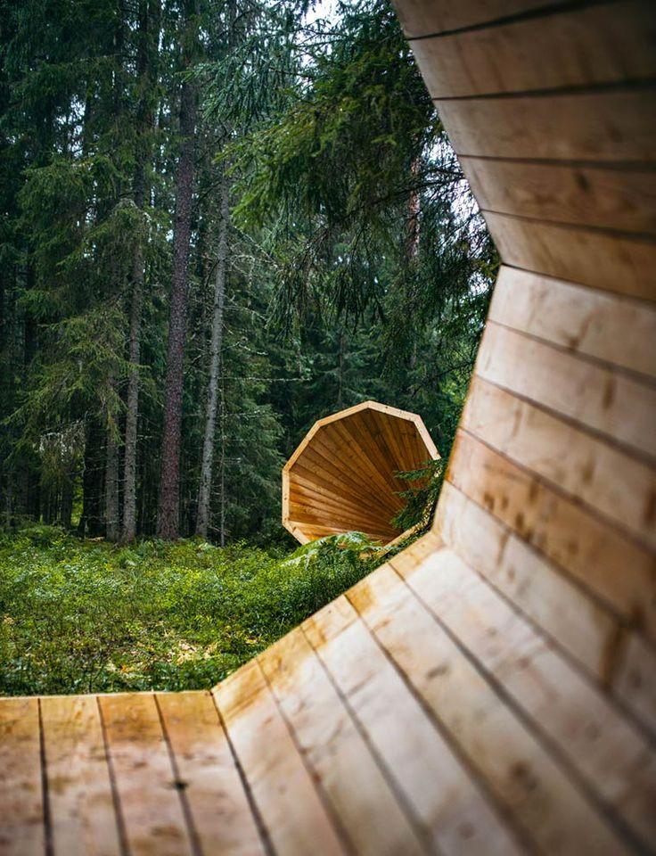Entre design, nature et architecture,des étudiants de laEstonian Academy of Artsont imaginé une installation acoustique en bois composée de trois méga