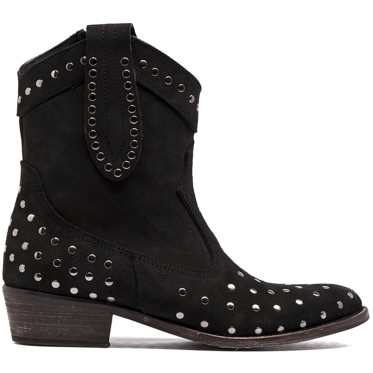 ALASKA- Keep on trend with this seasons love for Western studded boots with these gorgeous heeled ankle boots that feature an inside zip so it's easy to slip in and out of.