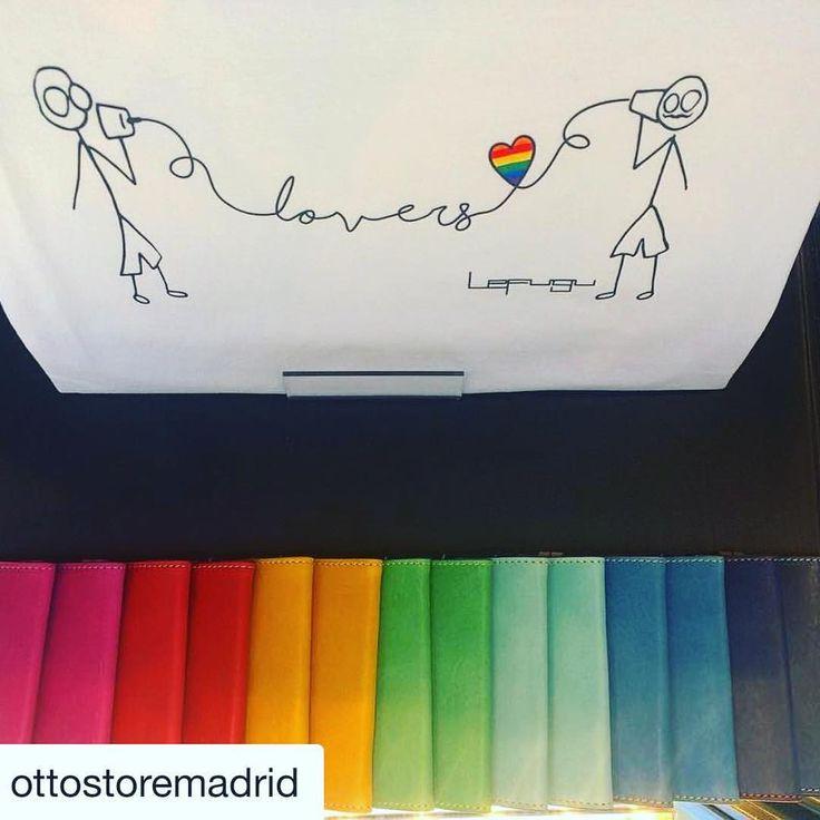 ¡Ya sabéis! Nuestras #camisetas  FREE GENDER IDENTITY están también en @ottostoremadrid #Repost @ottostoremadrid (@get_repost) ・・・ Este es nuestra bandera #lgtb hecha con tarjeteros de @valentindelbarrio1934 acompañado de la t-shirt de @lefuguart, parte de nuestro escaparate para este World Pride #ottoclothing #callemoratin #menstyle #womanstyle #shop #shopping #shoppingmadrid #madridshopping #gay #gaypride #lovewins #lovers #rainbow #supportlocalbusiness #comerciolocal #barriodelasletras