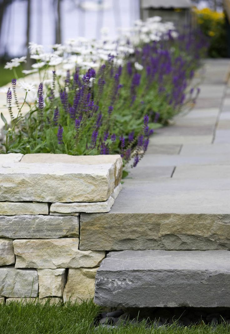 Beautiful step detail Landscape Architect: H. Keith Wagner Partnership | Image Credit: Westphalen Photography / repinned on toby designs
