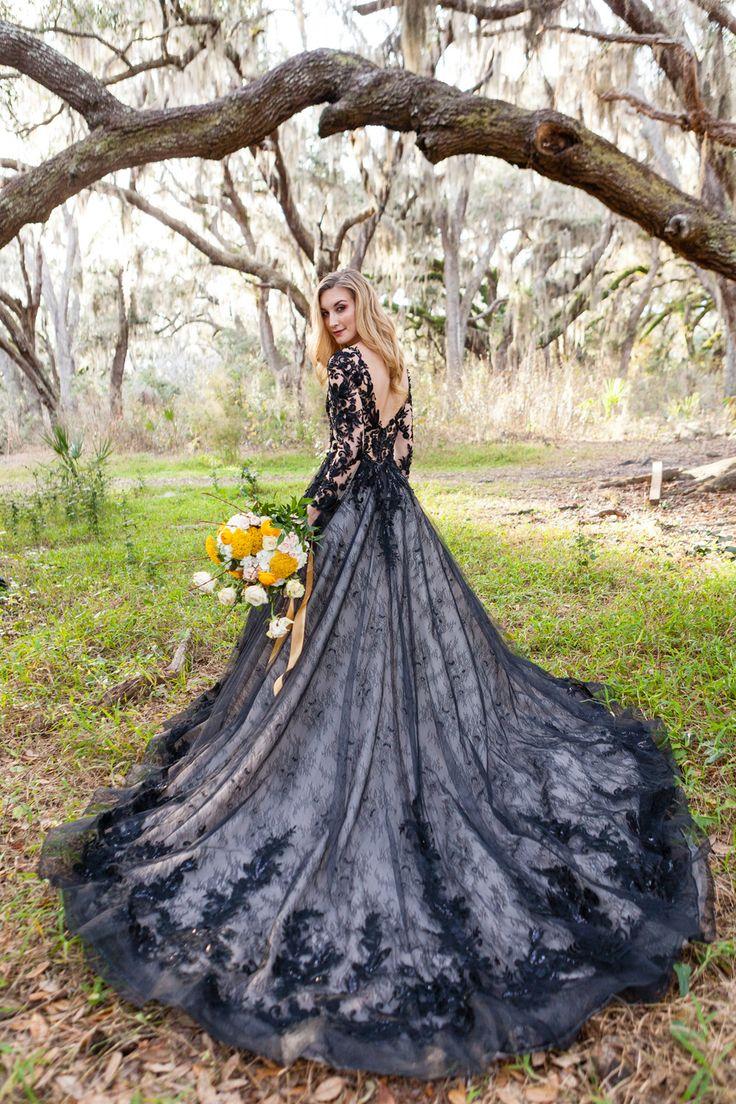 Black and gold spring wedding inspiration with a black wedding dress | Lori Barbely Photography, Orlando, Florida