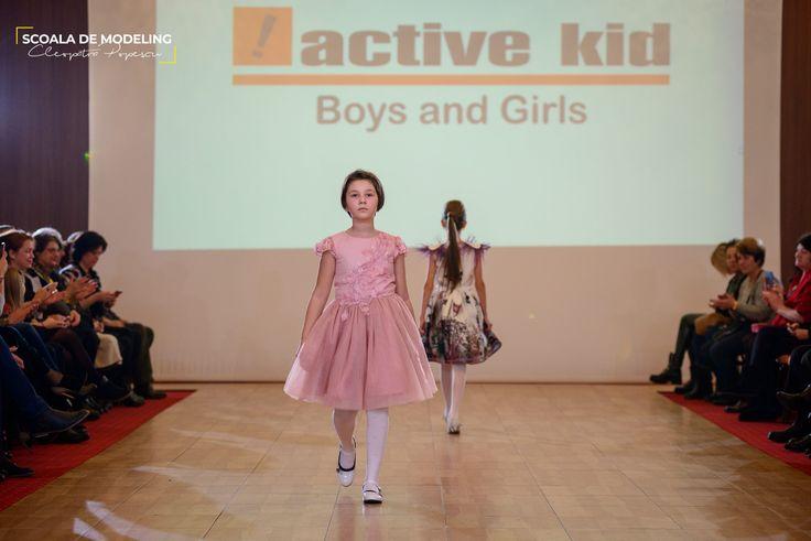 Rochita fete. Colectia active kid.
