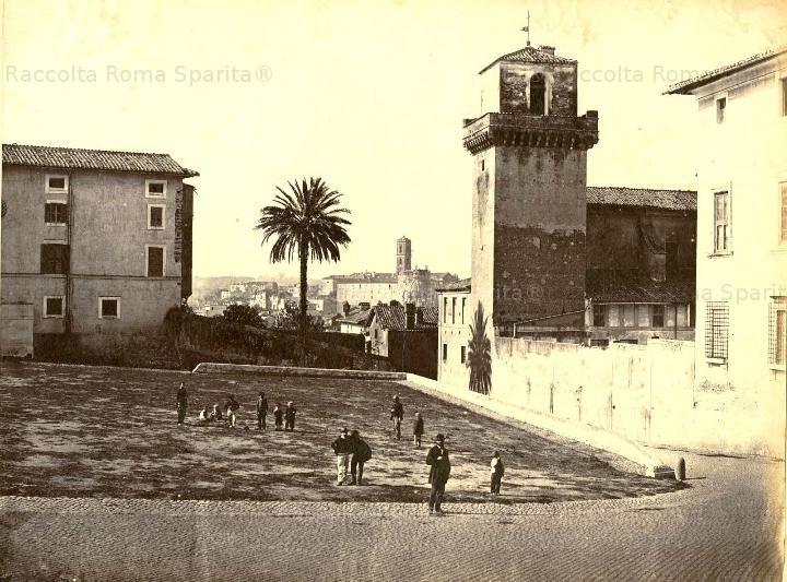 Torre dei Borgia da piazza S.Pietro in Vincoli Anno: 1875 ca