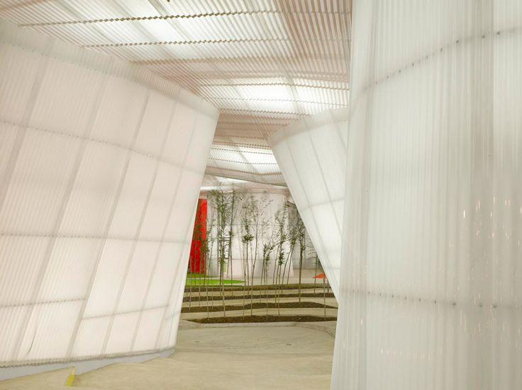 Merida-Factory-Youth-Movement-by-SelgasCano-13.jpg (JPEG Image, 1000×749 pixels) - Scaled (97%)