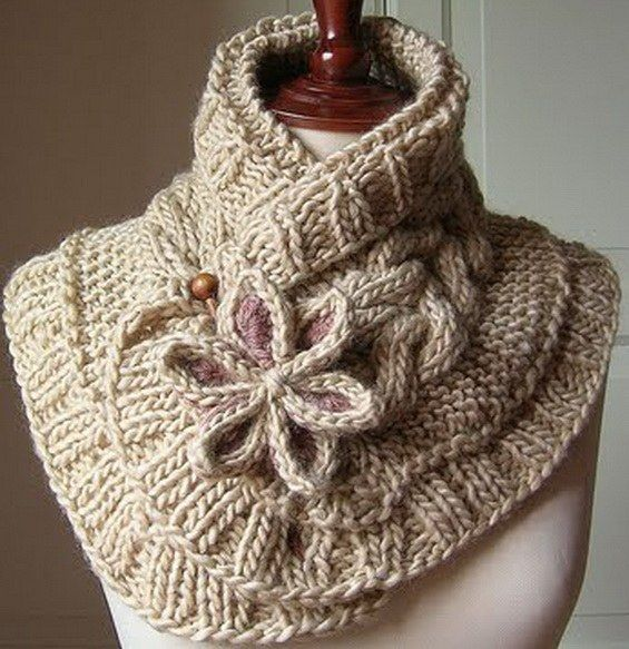This Knitted Moon Flower Scarf will make a beautiful versatile addition to your wardrobe and it's a FREE Pattern! You'll also love the Knitted Cable Cowl Sweater.