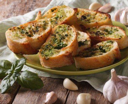 Toast à l'ail : Recette de Toast à l'ail - Marmiton