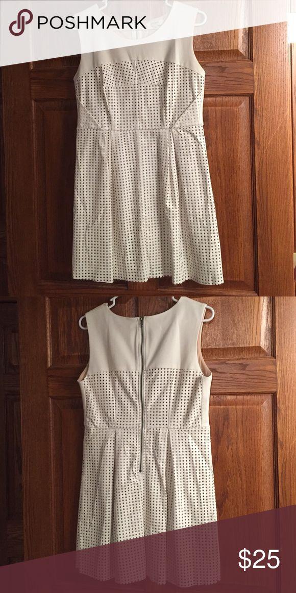 Women's Ivory Dress Women's ivory dress - worn once. Dresses