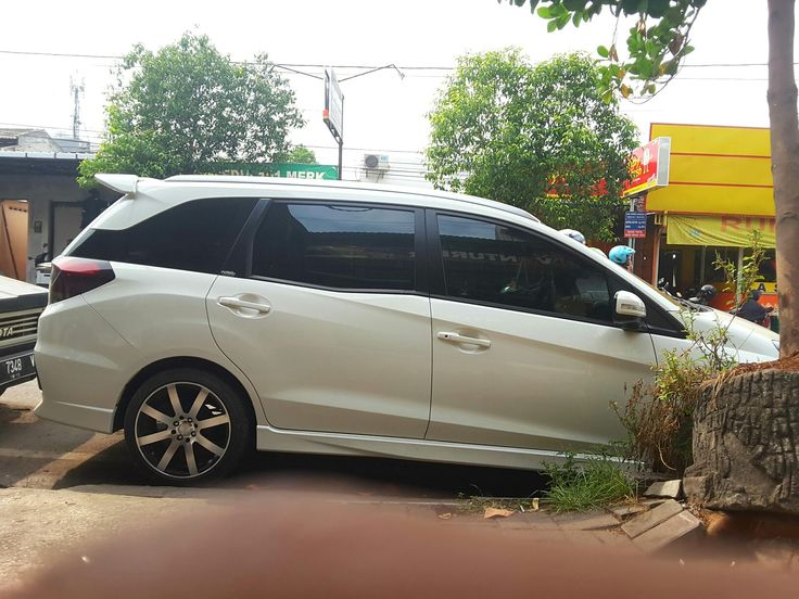 HONDA mobilio RS with HDR R18