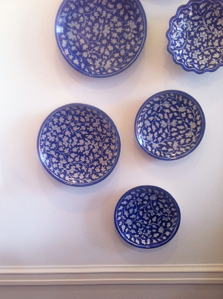 Blue ceramics for decorating your walls  - from MOLLYSHOME.COM