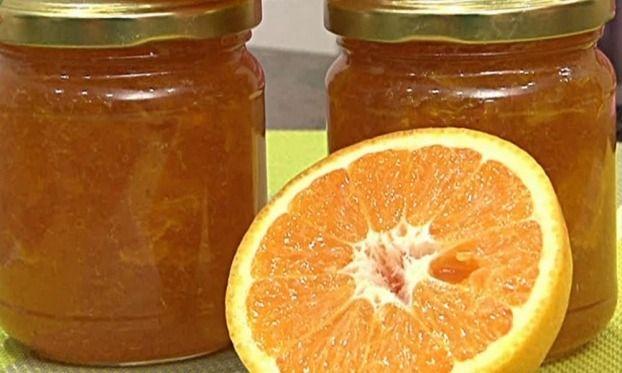 """750g vous propose la recette """"Confiture d'orange"""" accompagnée de sa version vidéo pour cuisiner en compagnie de Chef Damien et Chef Christophe."""